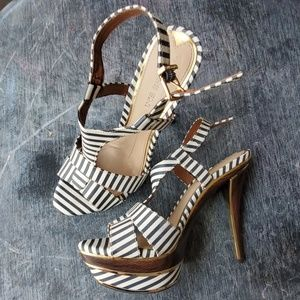 Gianni Bini 6 nautical stripe platform heels